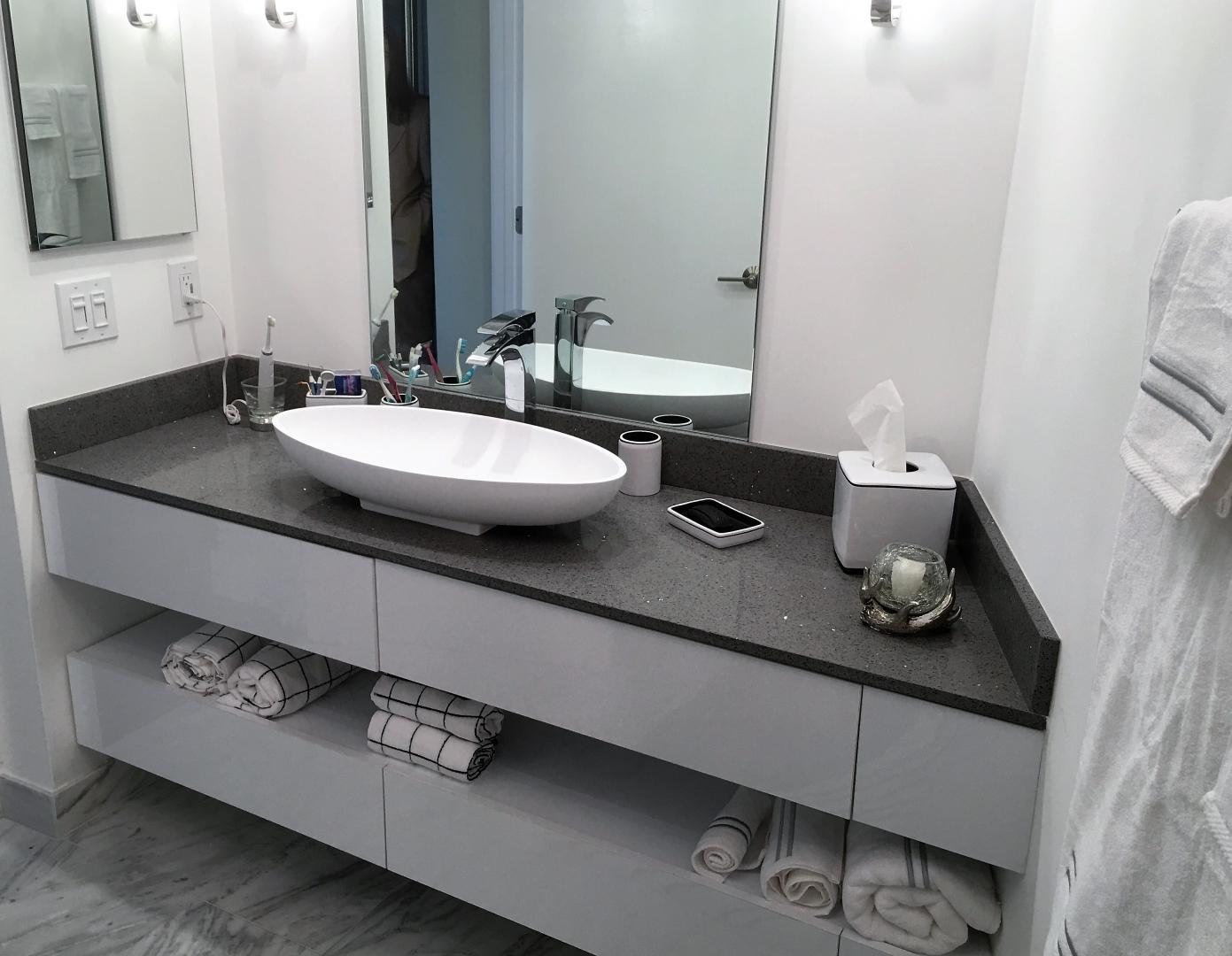 modern bathroom vanities miami modern bathroom vanities modern miami by bathroom place modern. Black Bedroom Furniture Sets. Home Design Ideas